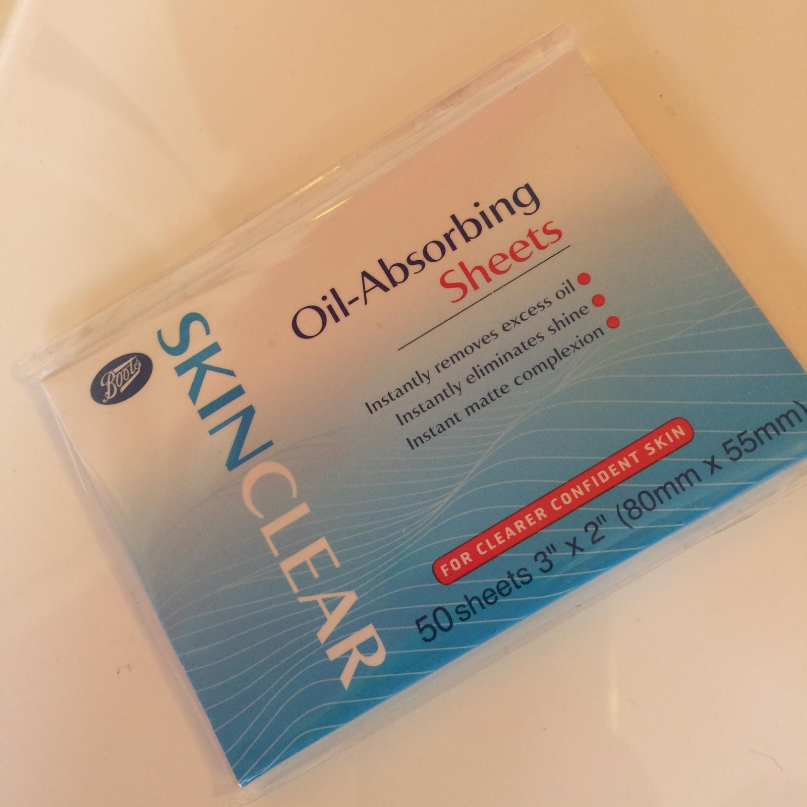 Oily skin and t-zone saviour -Boots Skin Clear Oil Absorbing Sheets – Benefit licence to blot dupe?