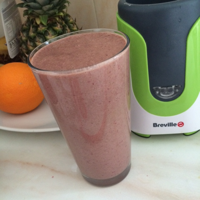 Healthy smoothie – cherry with secret spinach you can't actually taste!
