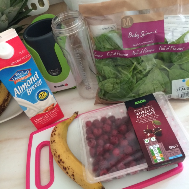 cherry and spinach smoothie ingredients