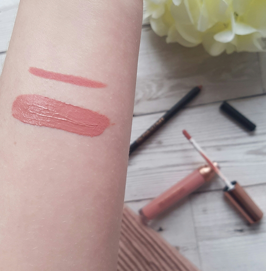 makeup-revolution-retro-luxe-reign-swatch