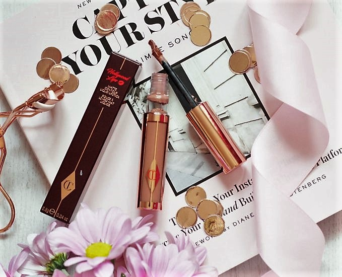 February Favourites 2018 Sophie in Wonderland Review Charlotte Tilbury Hollywood Lips Matte Contour Liquid Lipstick Best Actress (2).jpeg