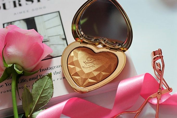 Valentines Day Beauty Picks Too Faced Love Light (2).jpeg