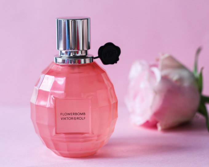 Valentines Day Gift Guide For Her Flowerbomb Perfume Viktor and Rolf