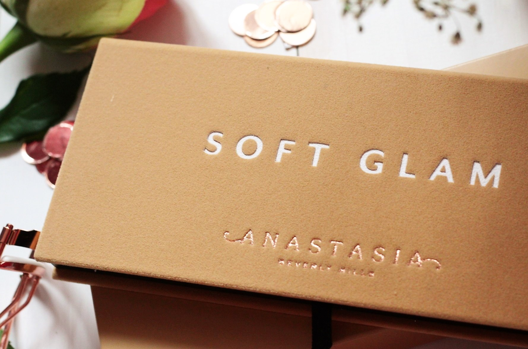 Anastasia Beverly Hills Soft Glam Eyeshadow Palette Review and Swatches 3 (2).jpeg
