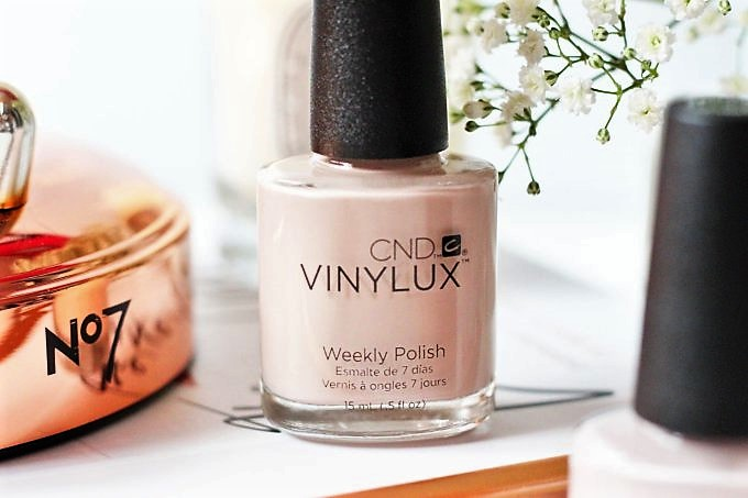 CND World Vinylux Weeky Polish Review and Swatches 2 (2).jpeg