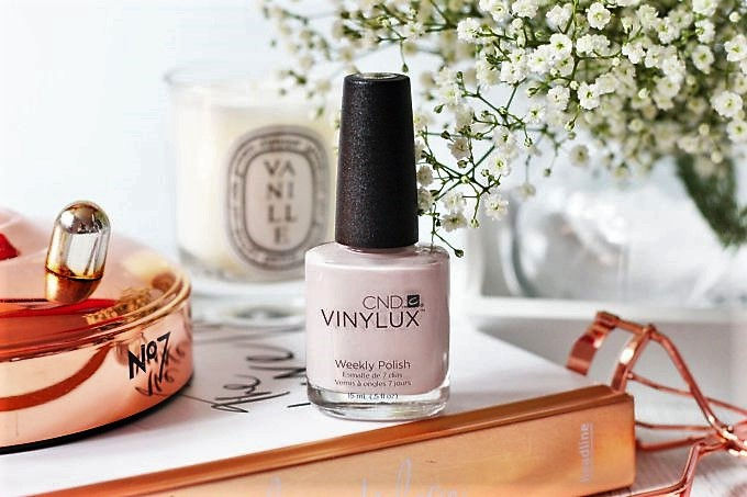 CND World Vinylux Weeky Polish Review and Swatches 3 (2).jpeg