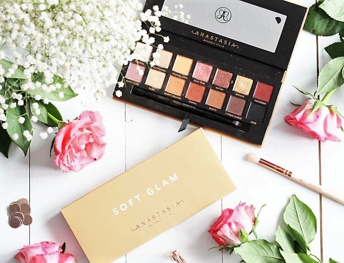 Anastasia Beverly Hills Soft Glam Eyeshadow Palette2 (2).jpeg
