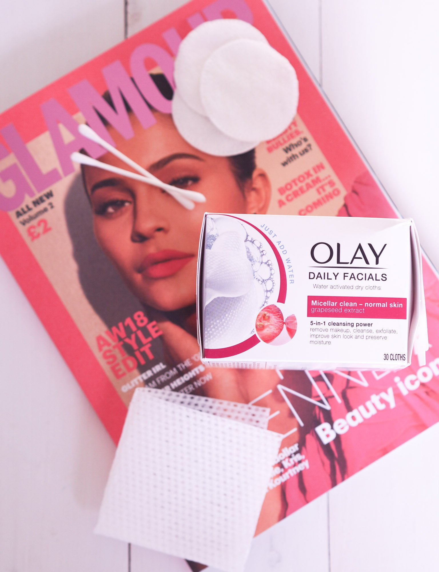 Olay Daily Facials 5-in-1 Dry Cloths Review