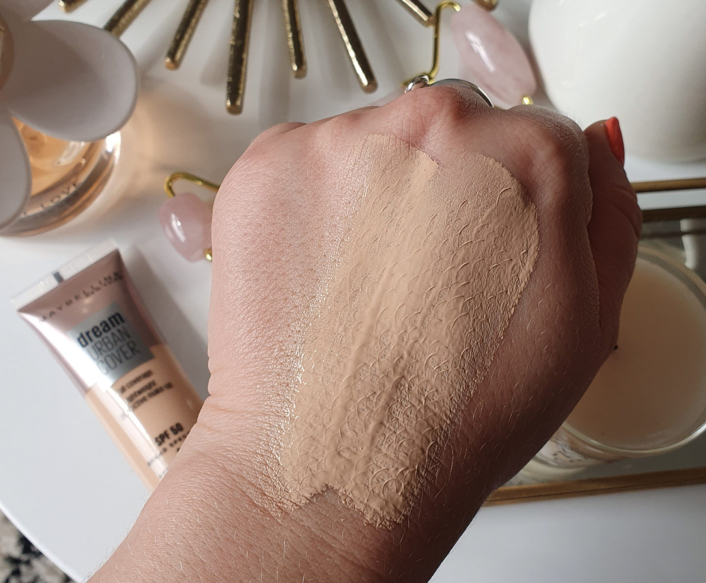 Maybelline Dream Urban Cover Foundation swatches