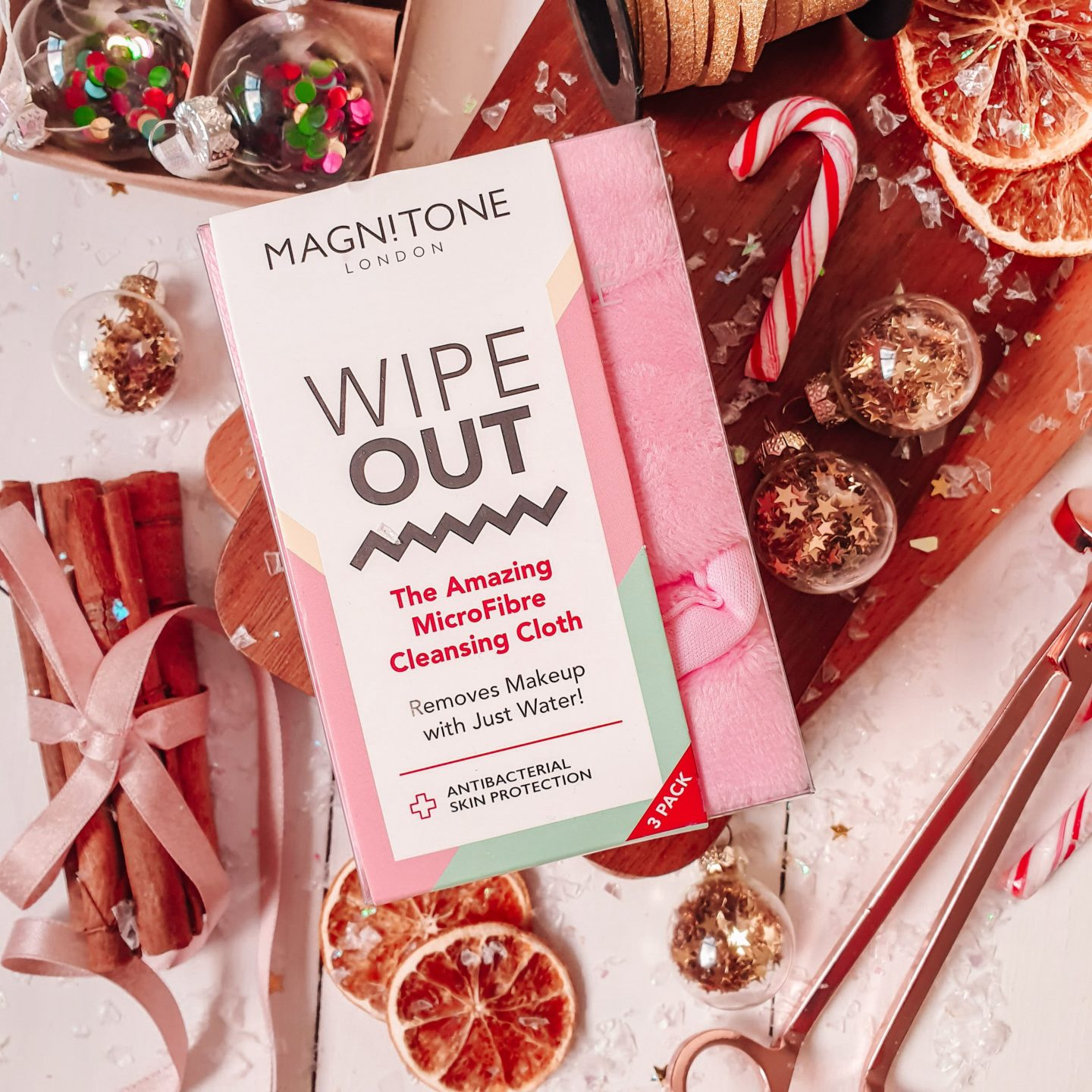 Magnitone Wipe Out Makeup Remover Cloths