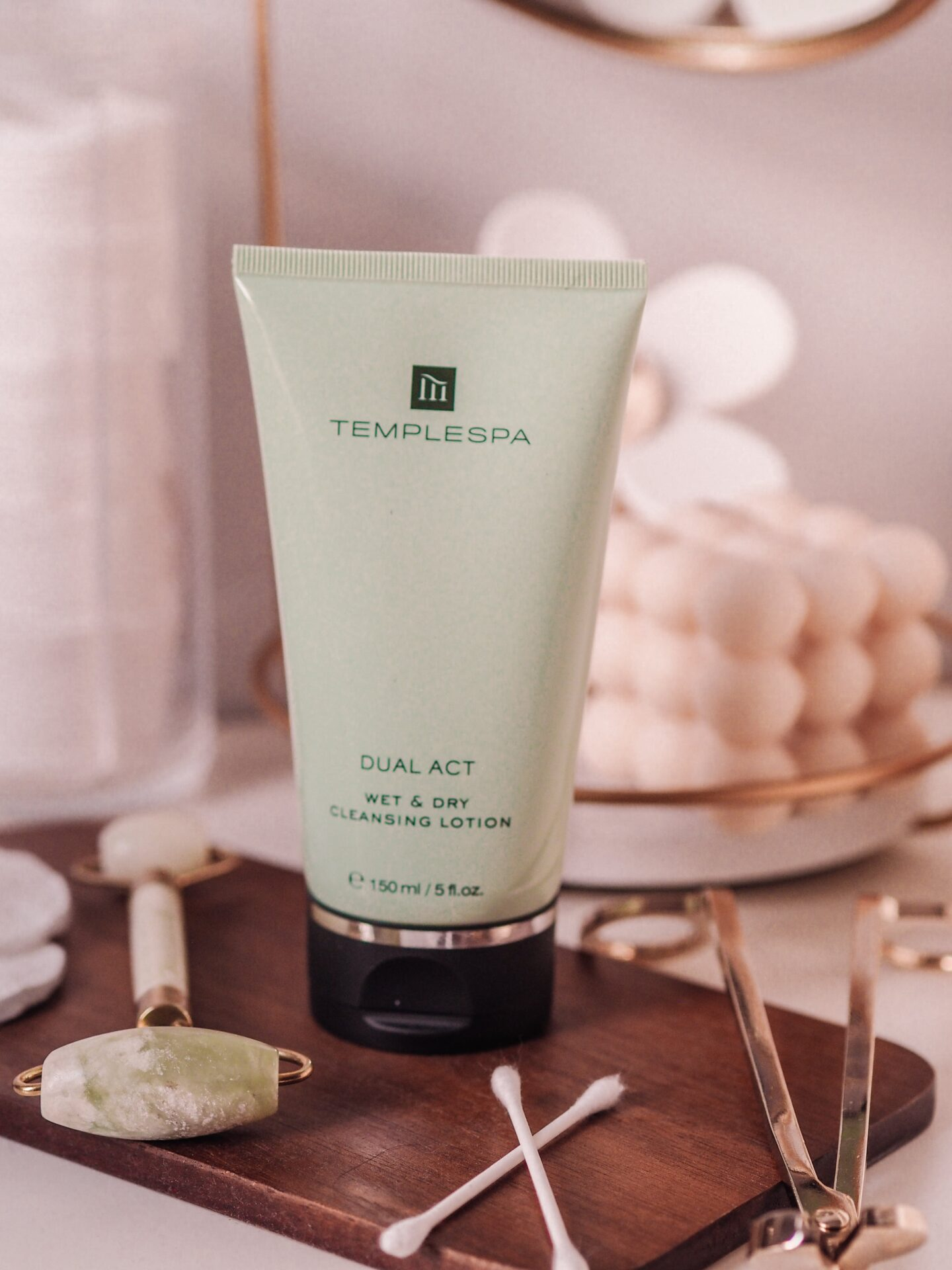 Temple Spa DUAL ACT Wet & Dry Cleansing Lotion